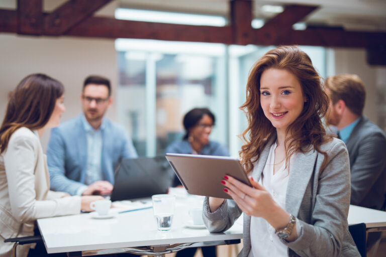 5 RULES TO FOLLOW WHEN MARKETING TO WOMEN IN A DIGITAL AGE